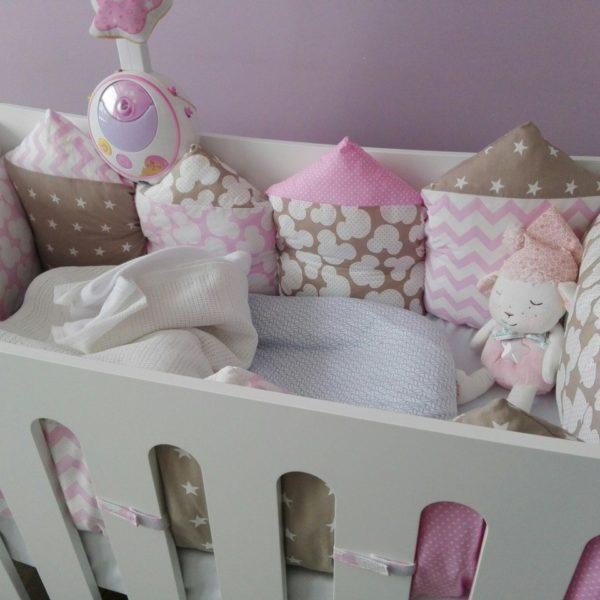 Бортики в кроватку розовый-беж - фото